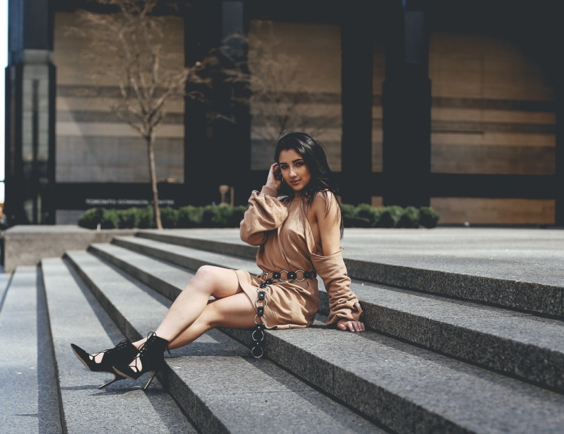 downtown-toronto-streetstyle-ashley-settingiano